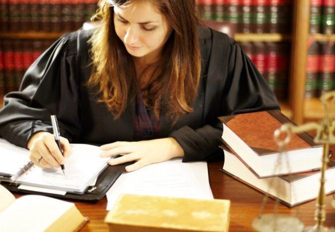 Pesquisa revela que mulheres são apenas 20% das bancas em concursos para juiz