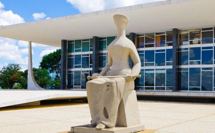 Contratação de conselheiros profissionais pela CLT é constitucional, decide STF