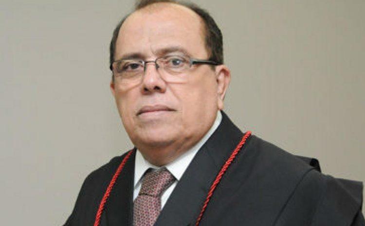 Desembargador do TJ-CE é punido com aposentadoria compulsória