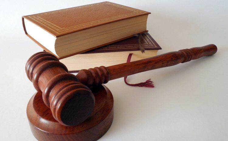 Perda de função pública por improbidade atinge cargo ocupado no momento da condenação definitiva