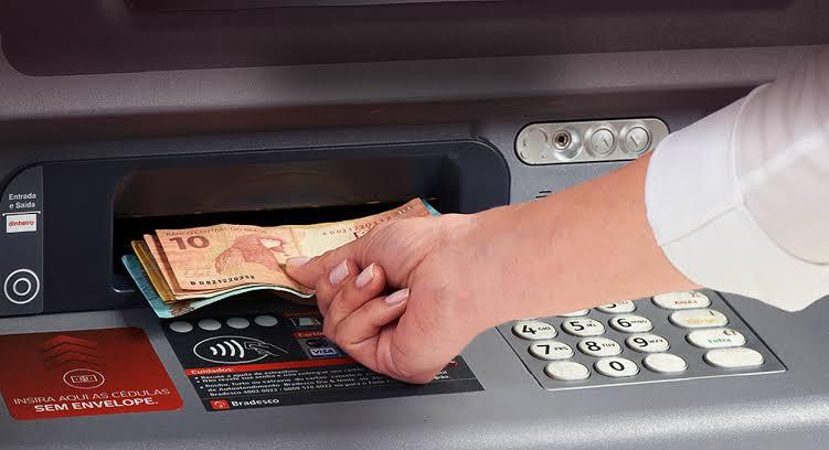 Estados podem exigir instalação de itens de segurança em caixas eletrônicos