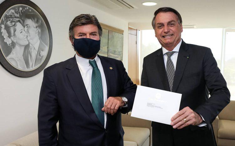 Fux recebe Bolsonaro em primeiro encontro entre os chefes de Poderes