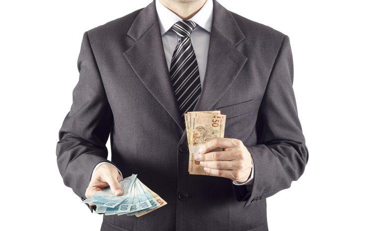 Advogado deve receber honorários contratuais após rescisão unilateral