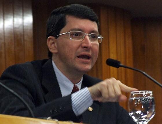 Promotor é suspenso sem remuneração por mensagem ofensiva ao ministro Gilmar