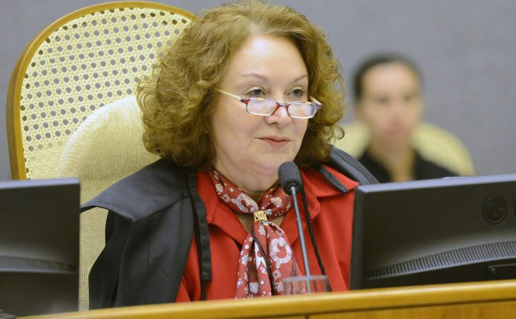 Depósito judicial em execução não afasta encargos do devedor, entende  ministra