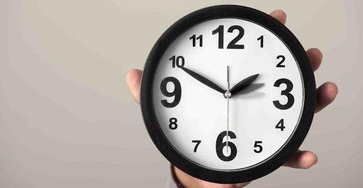 Servidora pode ter dois cargos se houver compatibilidade de horários