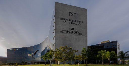 Sindicato que não comprova dificuldade financeira não tem direito à justiça gratuita, decide TST