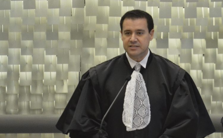 Aos 57 anos, ministro do STJ Nefi Cordeiro anuncia pedido de aposentadoria