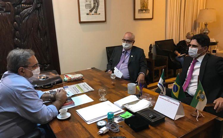 Futuro presidente do TRF5 é recebido pelo prefeito de Natal