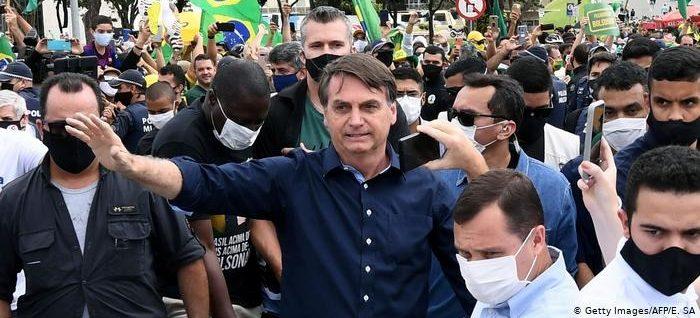 Bolsonaro cometeu homicídio por omissão e crime contra a humanidade, diz OAB