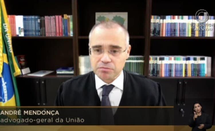 Em retorno à AGU, André Mendonça defende liberdade religiosa e de culto