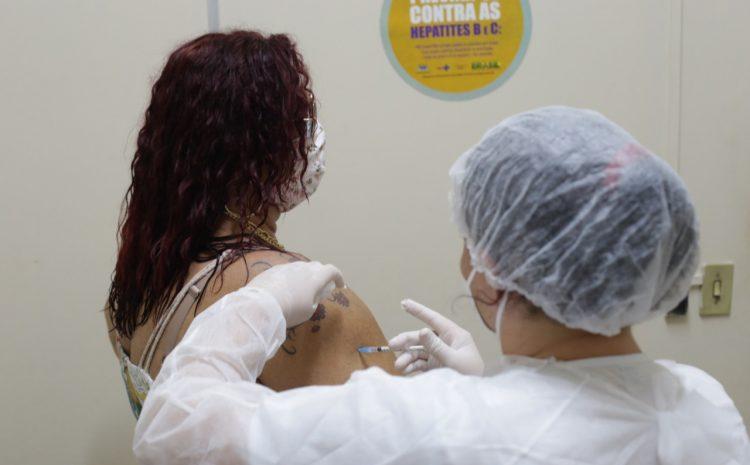 Covid-19: Natal inicia vacinação de pessoas soropositivas para HIV/Aids