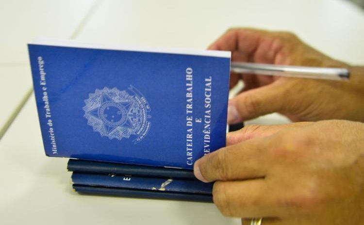TST mantém indenização a empregada que teve carteira de trabalho extraviada