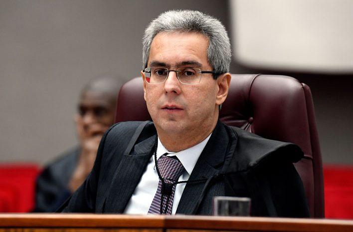 STJ destaca sete anos de atuação do ministro Gurgel de Faria no Tribunal da Cidadania