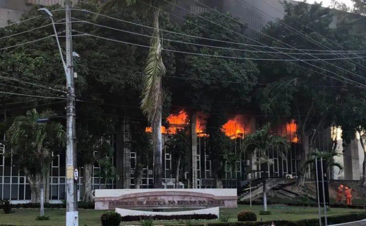 Incêndio atinge sede do Tribunal de Justiça do Ceará