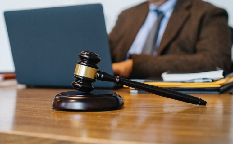 Juiz se recusa a transcrever audiência trabalhista após decisão do TRT-4