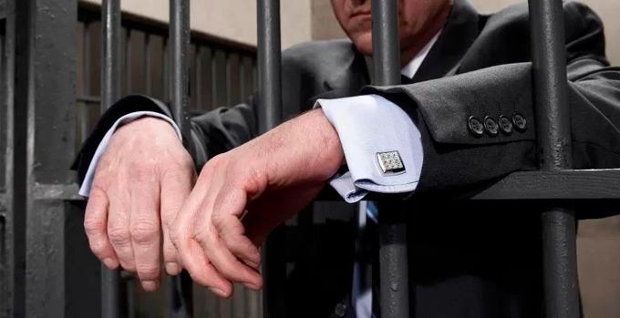 Advogado com prerrogativas suspensas não tem direito a sala especial, diz TJ-DF
