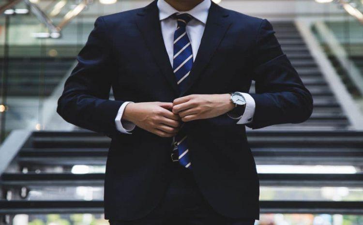 Após punição com aposentadoria, juiz é investigado por atuar como empresário