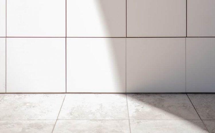 Juiz manda empresa terceirizada reparar piso danificado por produto de limpeza